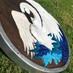 Swan-detail-shot-in-light