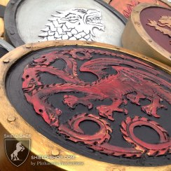 Targaryn-Game-of-Thrones-Shield-Shop-Close-Up